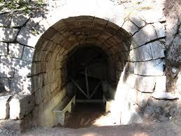 Puturosul cave