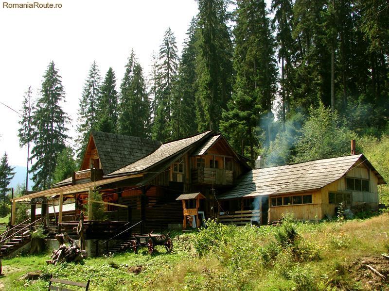 Tourist sheepfold Campulung Moldovenesc